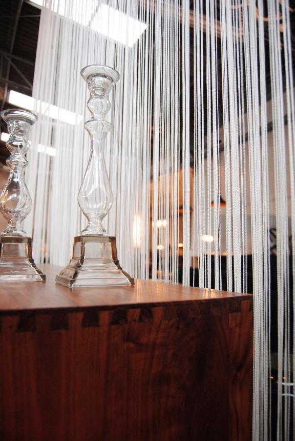 Detalles de construcción en el mobiliario de Dimitri.